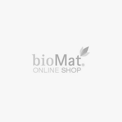 Der Glasreiniger in der Sprühflasche trägit die Bio-Zertifizierung